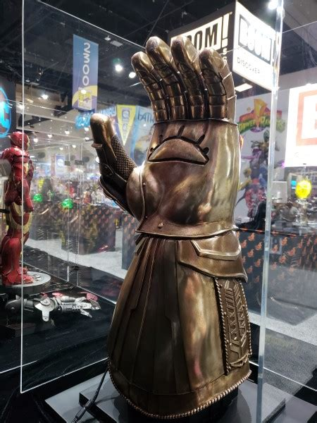 SDCC 2018 – Sideshow's Infinity Gauntlet Will Cost You An