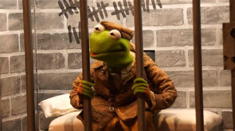 Muppets' Constantine meets fans at Disney's Hollywood