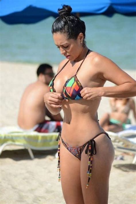 Andrea Calle May Be The Hottest Journalist Ever - Barnorama