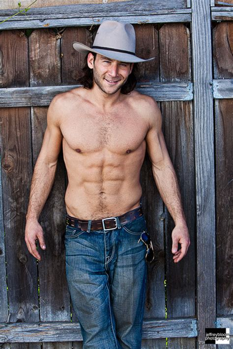 Poze Zach McGowan - Actor - Poza 3 din 15 - CineMagia